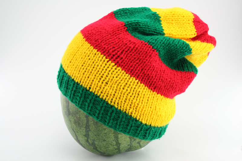 abaa7e3b6 Beanie Long Large Stripes Red Green Yellow